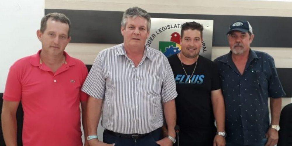 Chico Senger (o 2º da esquerda para a direita) juntamente com os vereadores Luciano Mallmann, Paulo Roberto e Osmar Damian,compõem a Mesa Diretora da Câmara