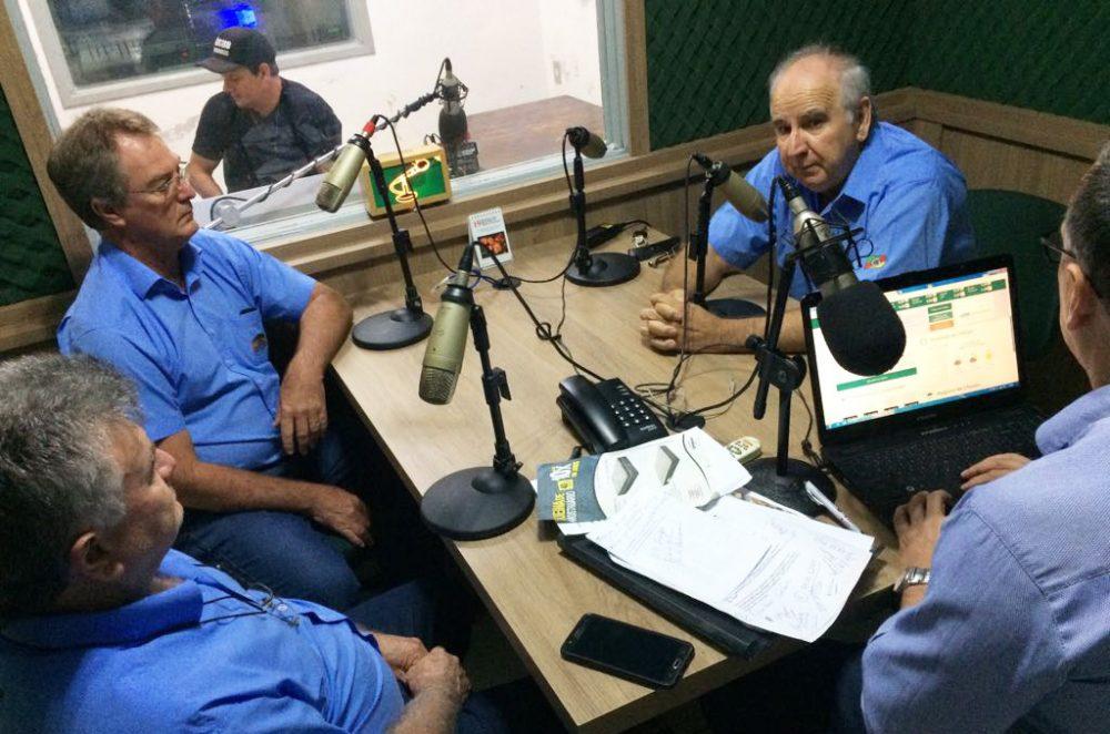 Diretores da Coopatrigo participaram do programa Olho Vivo. Foto: Genaro Caetano/Rádio São Luiz