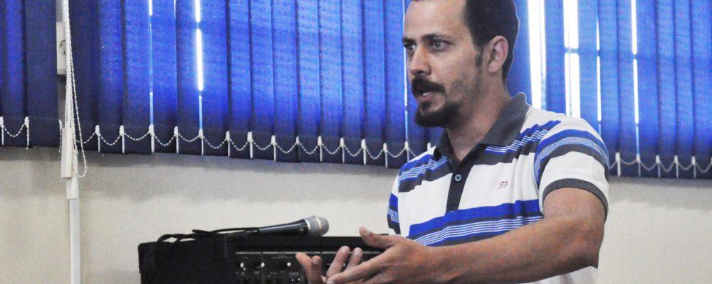Supervisor regional Alonso de Andrade está organizando capacitação em São Luiz. Foto: Genaro Caetano/Rádio São Luiz