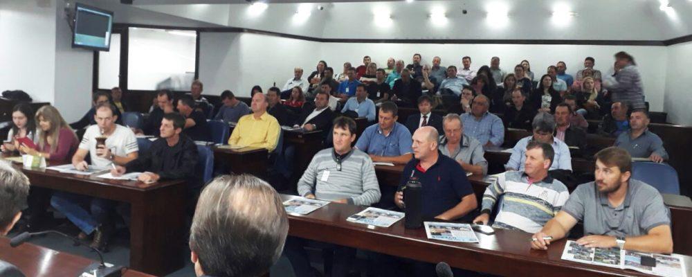 Público presente no primeiro dia de evento. Fotos: Osmar Werner/Rádio São Luiz