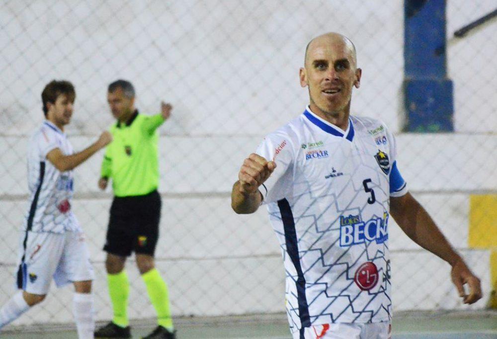 Time de Fabinho é líder e está invicto na competição. Foto: Assessoria Cerro Largo Futsal/Lojas Becker