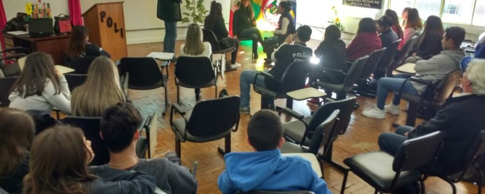Curso foi ministrado pelo Comissário Prates e pelo Inspetor Matos. Foto: divulgação/PC