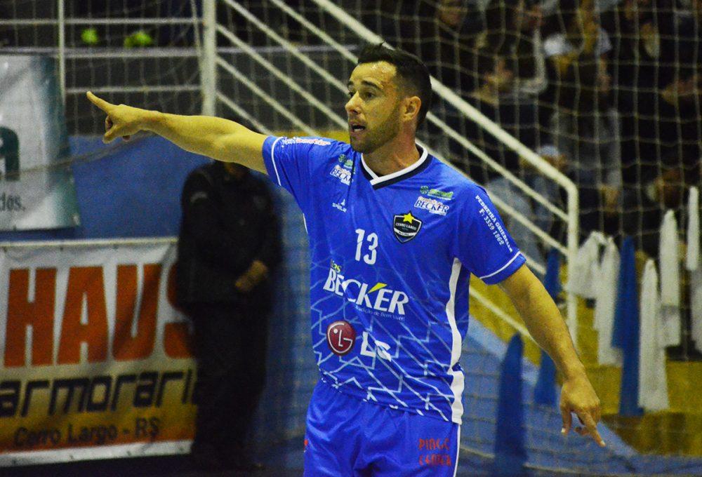 Time de Karlinski defende invencibilidade em mais um jogo fora de casa. Foto: Assessoria Cerro Largo Futsal/Lojas Becker