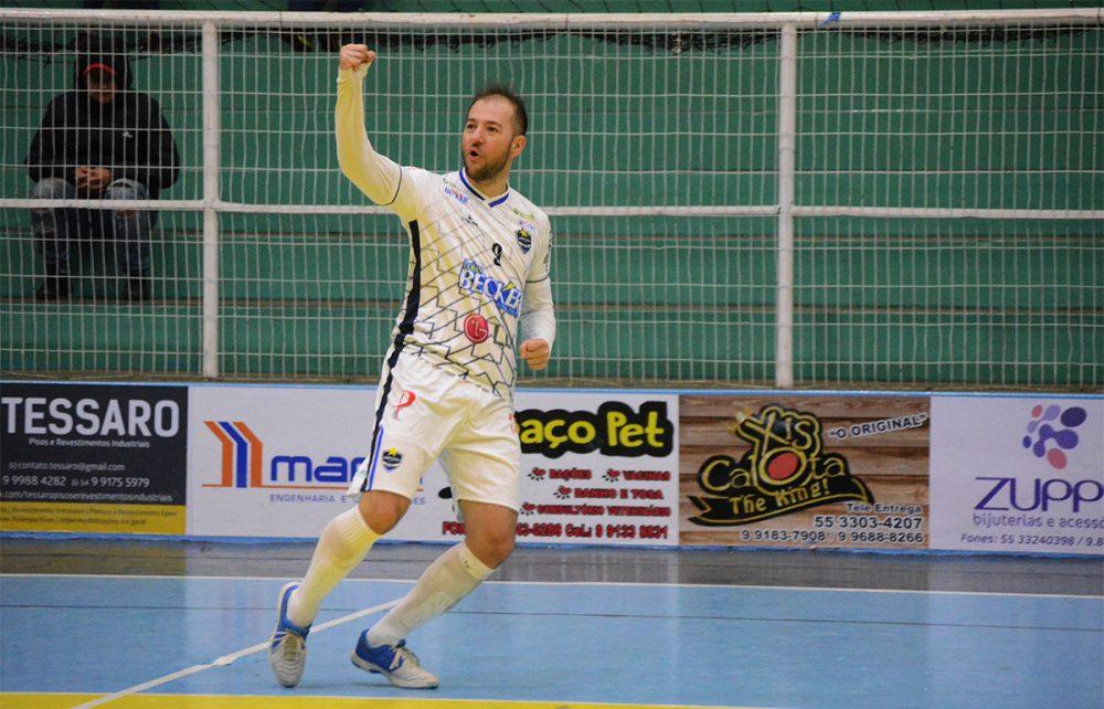 Diógenes marcou um dos gols do Cerro Largo no empate em Cruz Alta. Foto: Assessoria Cerro Largo Futsal/Lojas Becker