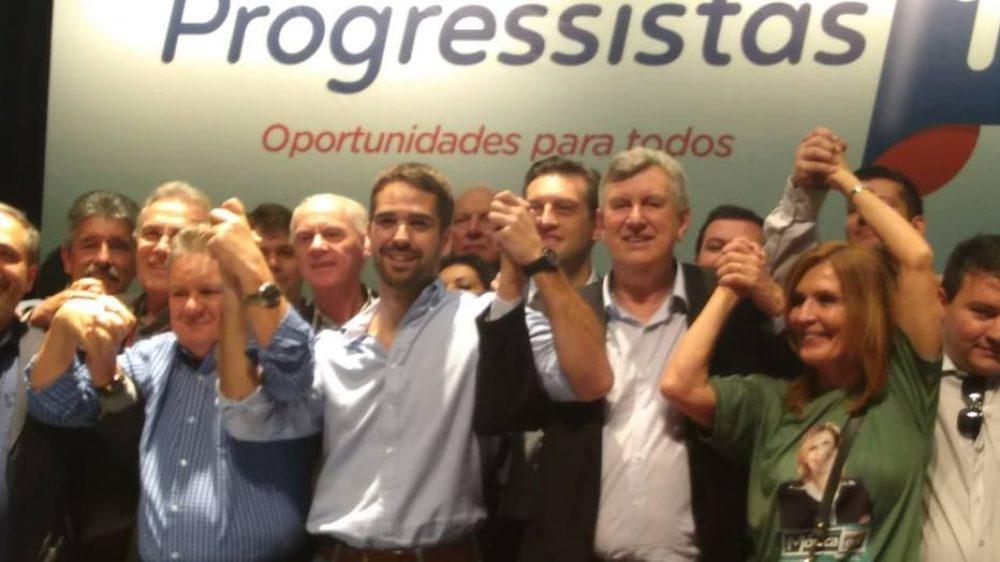 O PP gaúcho lançou Luiz Carlos Heinze (ao centro, à direita) ao Senado e confirmou apoio ao tucano Eduardo Leite (ao centro, à esquerda) para o governo do estado.  Foto: Filipe Strazzer