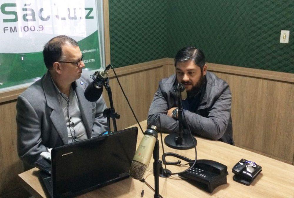Luciano participou do programa Olho Vivo. Foto: Genaro Caetano/Rádio São Luiz