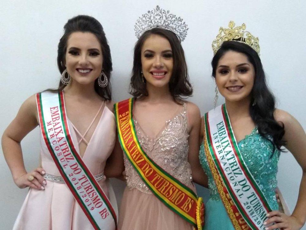 Jéssica (E), Maísa e Carol, coroadas no evento. Fotos: Márcio Greff