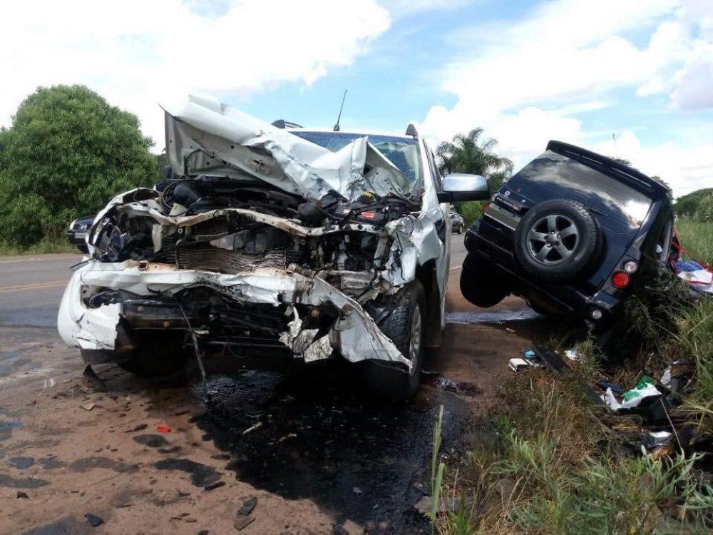 Casal que estava na Pajero morreu no local do acidente. Foto: divulgação