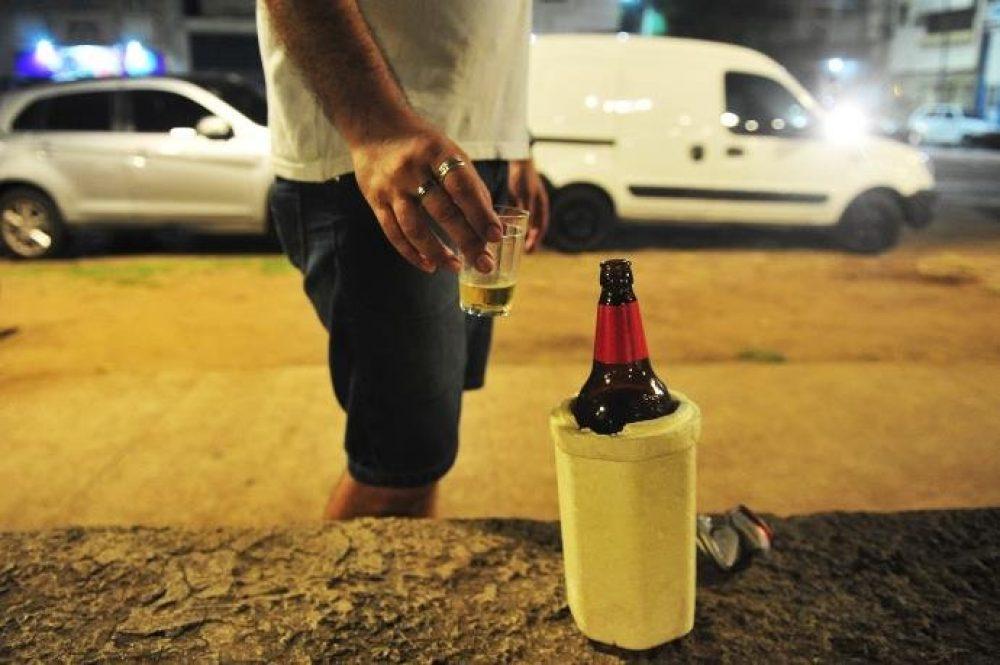Projeto veta venda de bebida em via pública   Foto: Fabiano do Amaral